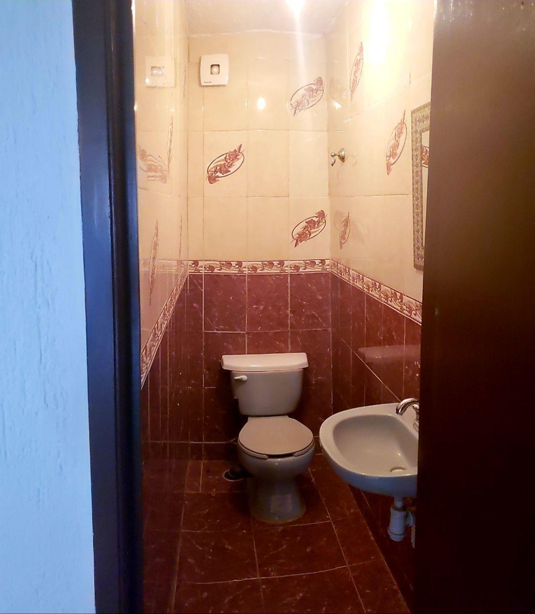 10 de 13: medio baño planta baja