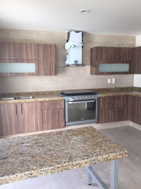 En San Angel, cuarto y baño completo en planta baja