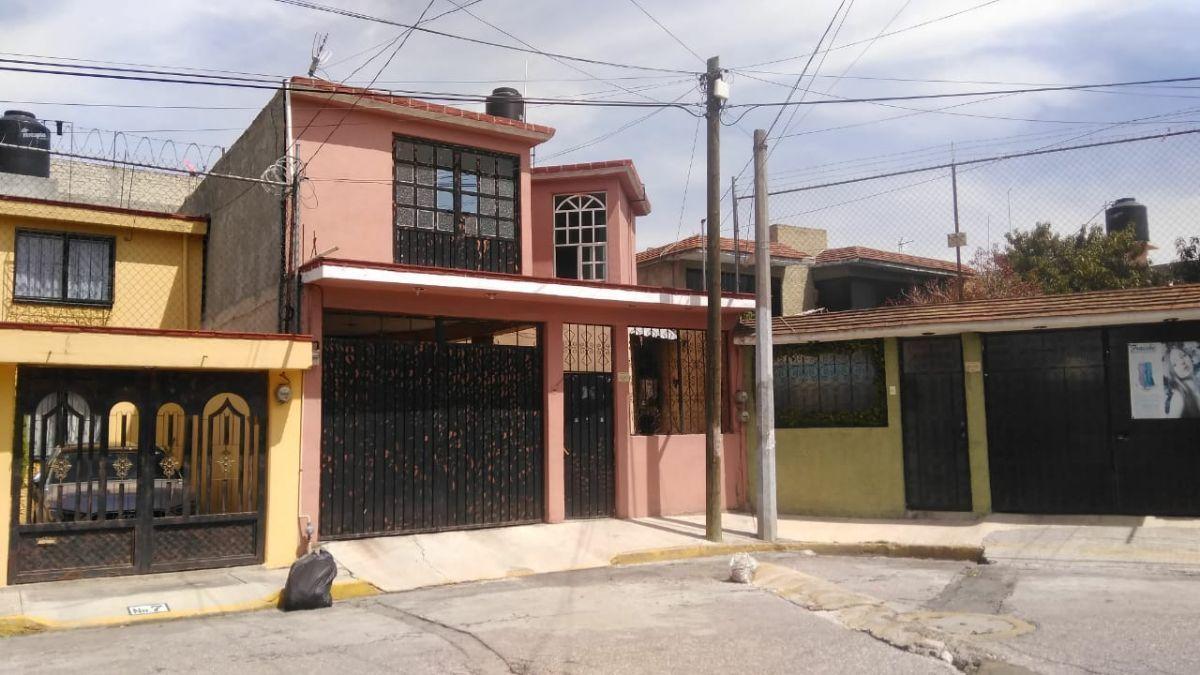 1 de 9: Casa (Vista exterior)