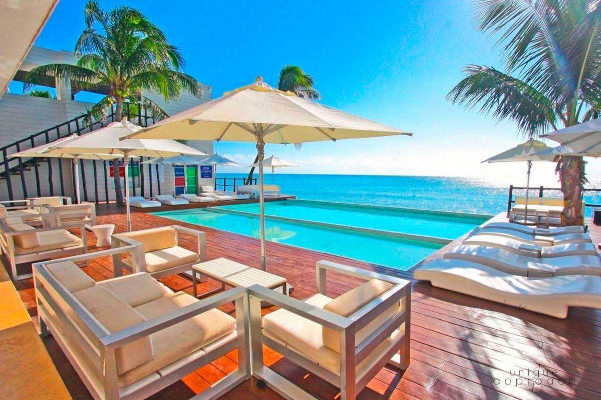 2 de 16: Beachclub privado