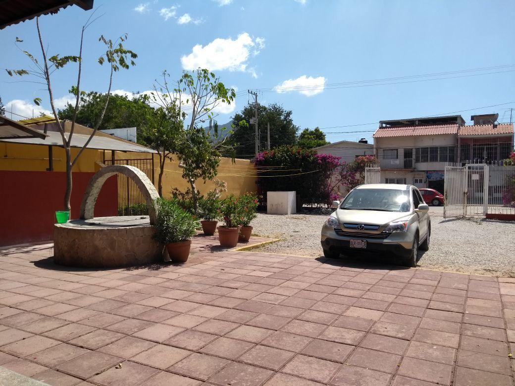 5 de 11: terraza y pozo en estacionamiento