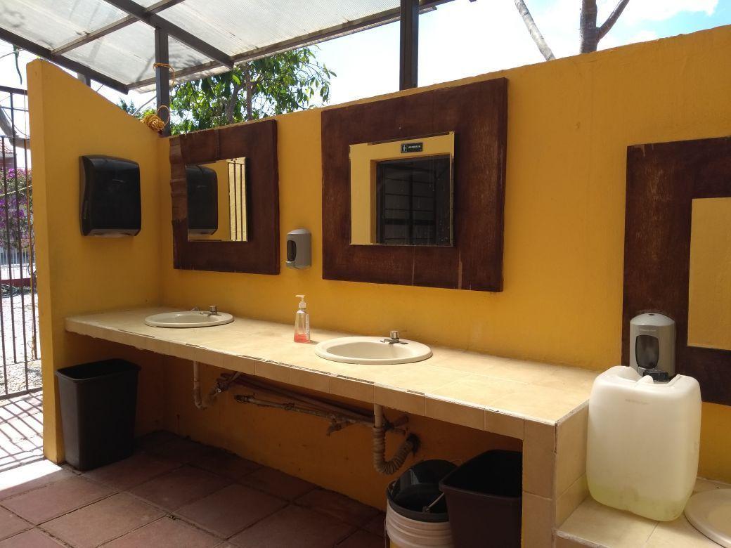 7 de 11: Baños para hombres, mujeres y niños