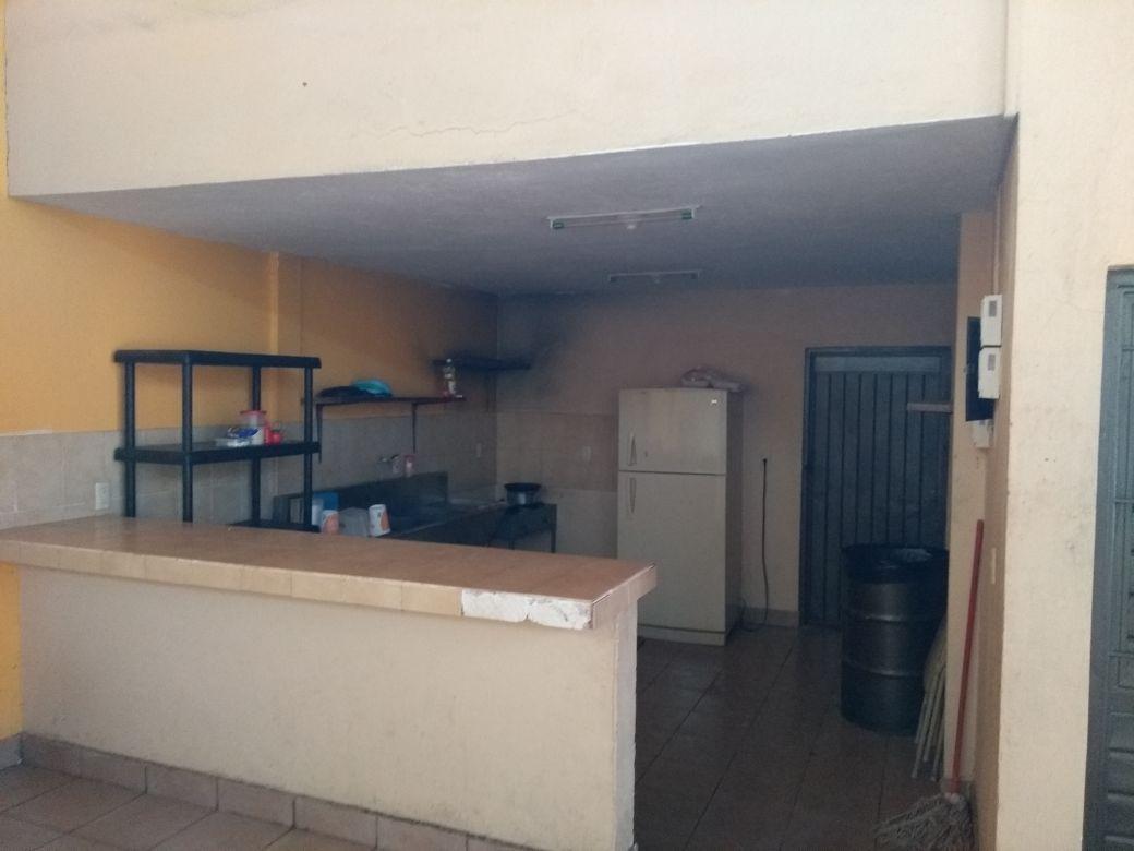 8 de 11: area de cocina y bodega