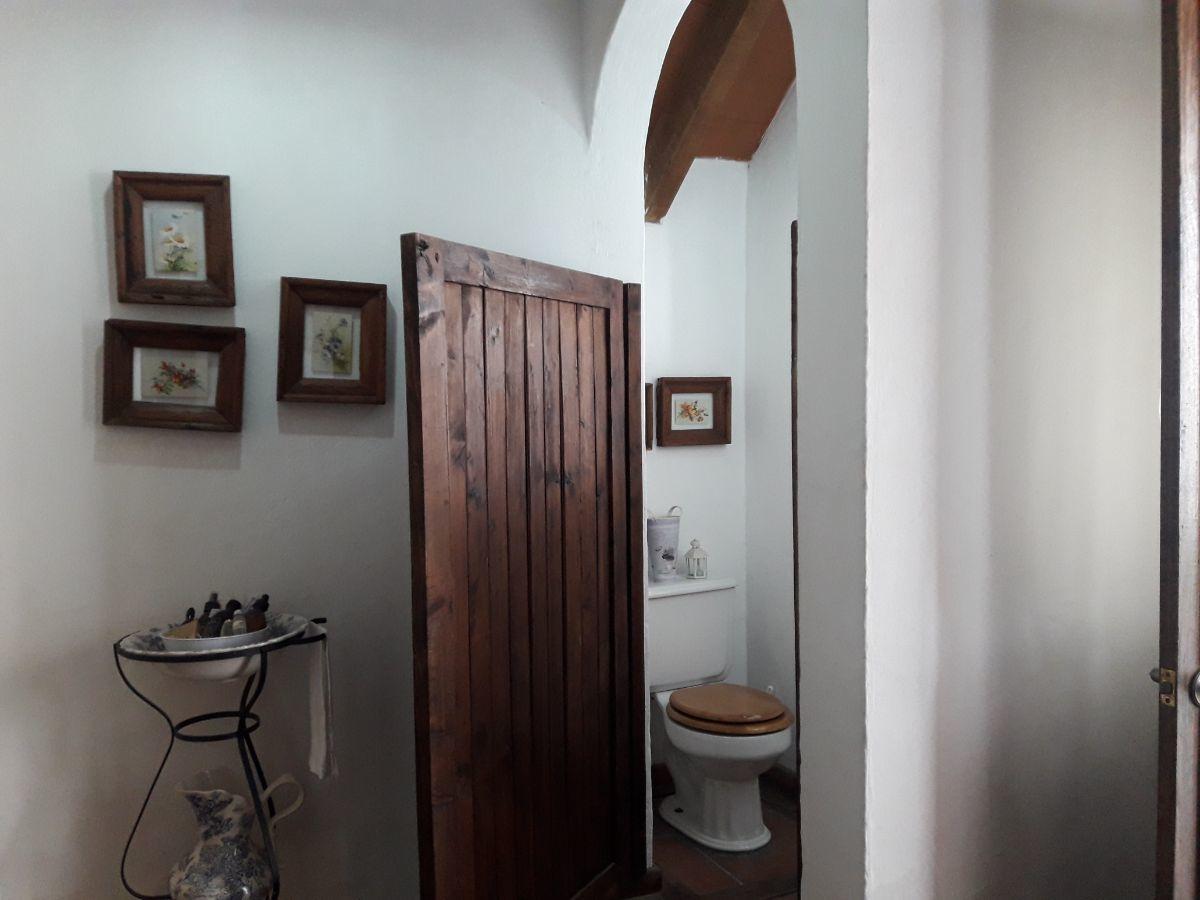 25 de 48: Baño suite 1