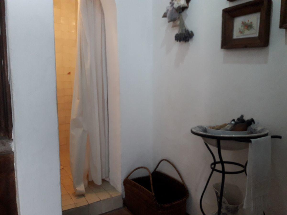 28 de 48: Vista regadera suite 1