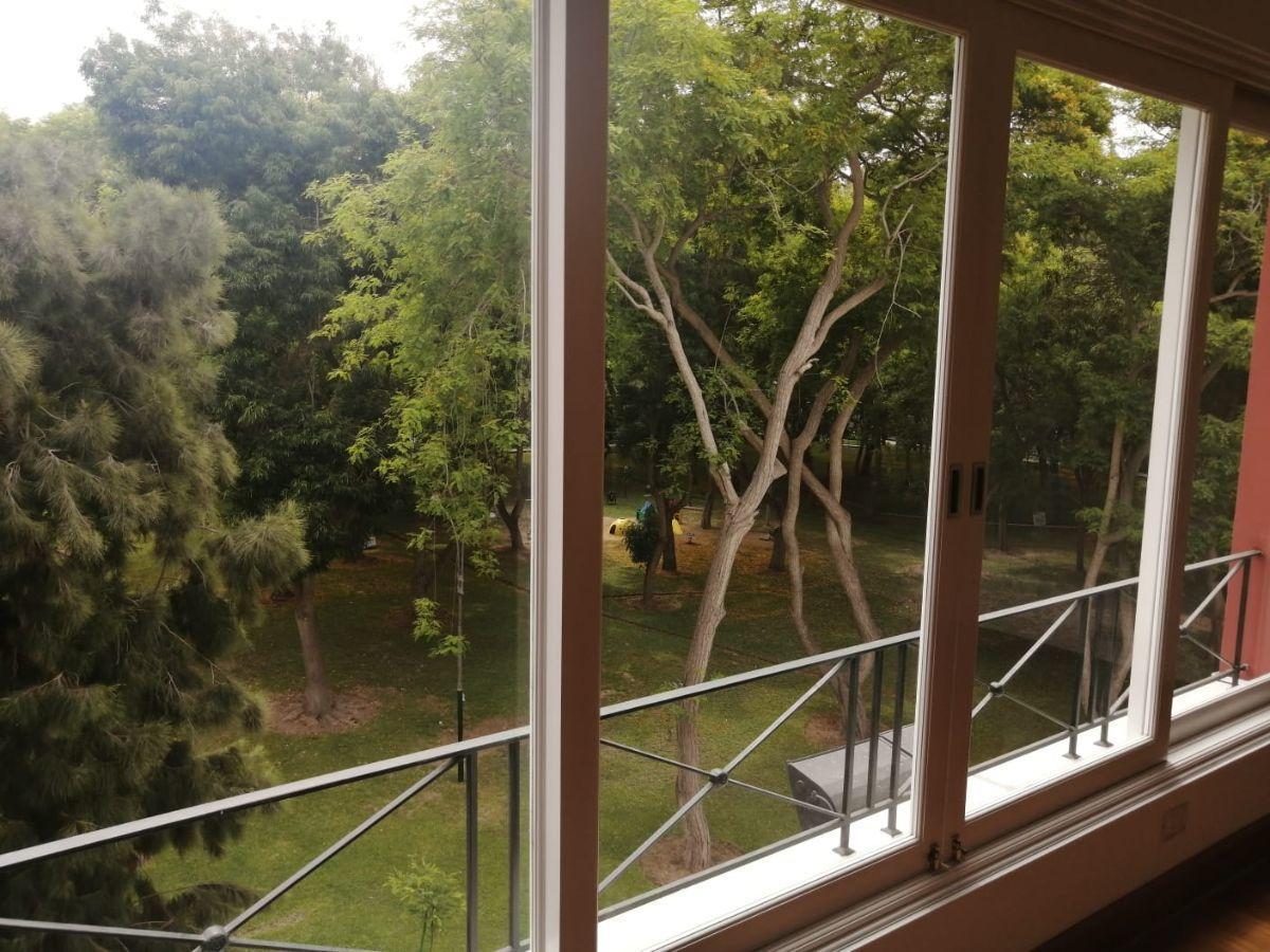 7 de 24: Dormitorio Principal vista directa al Parque Privado Pio XII