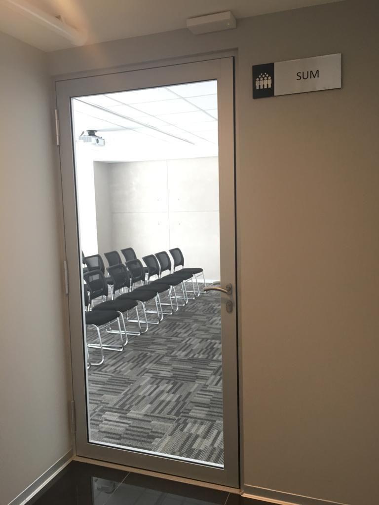 13 de 15: Sala reuniones en el último piso del edificio como A. Común