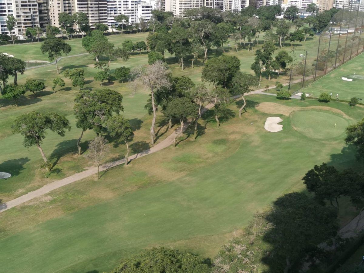 6 de 33: Espectacular vista al Golf.