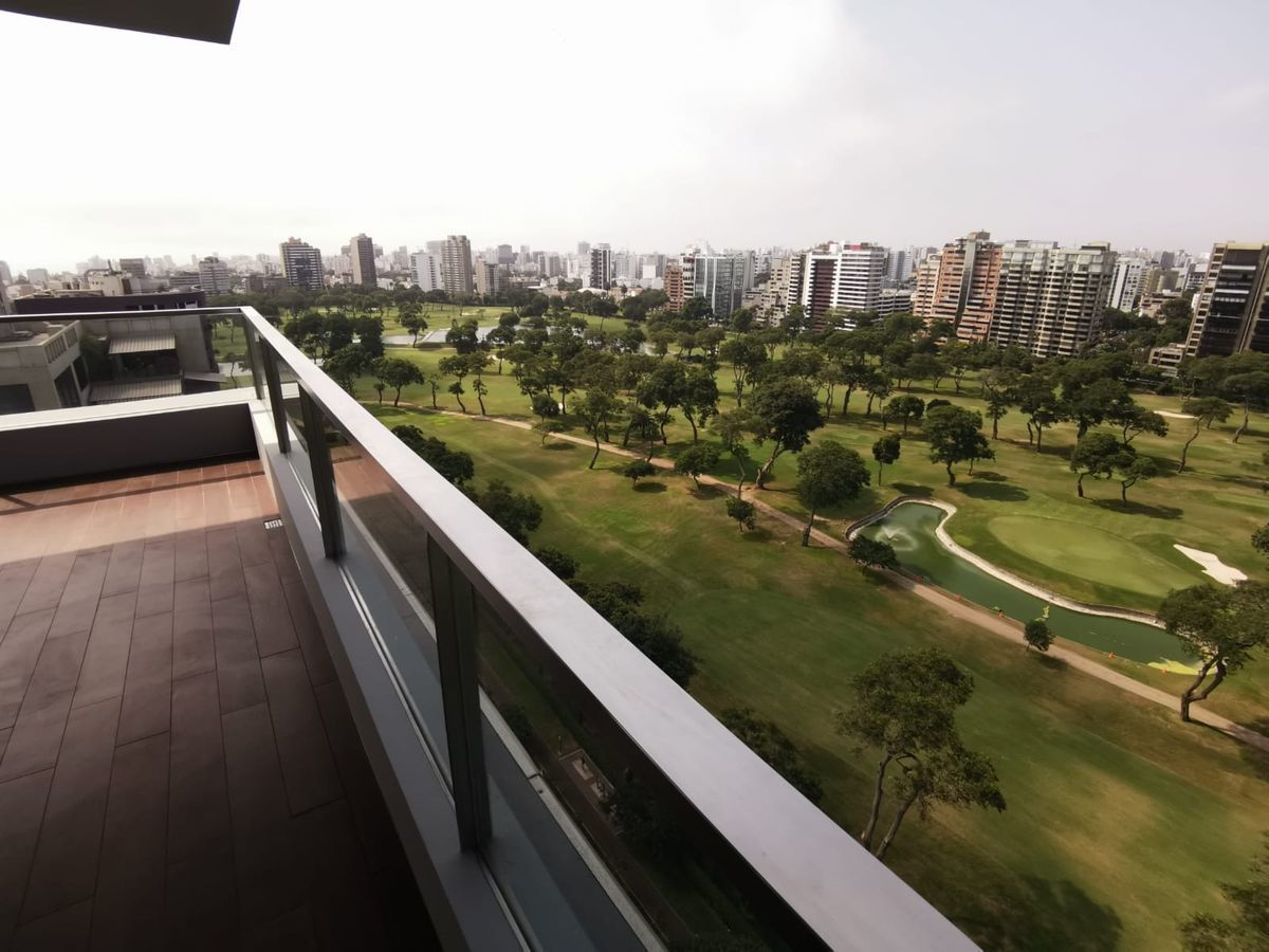 11 de 33: Maravillosa Terraza con vista  completa al Golf San Isidro.