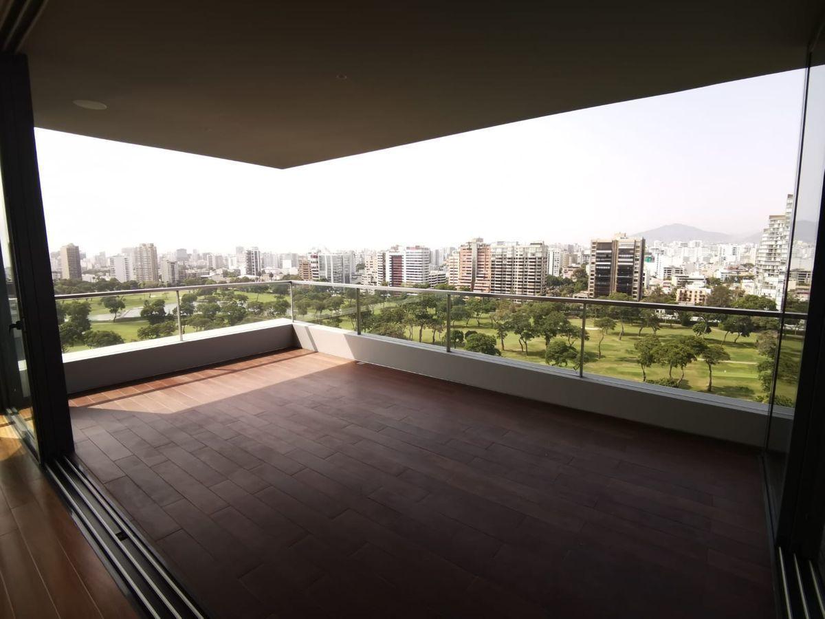 3 de 33: Maravillosa Terraza con vista  completa al Golf San Isidro.