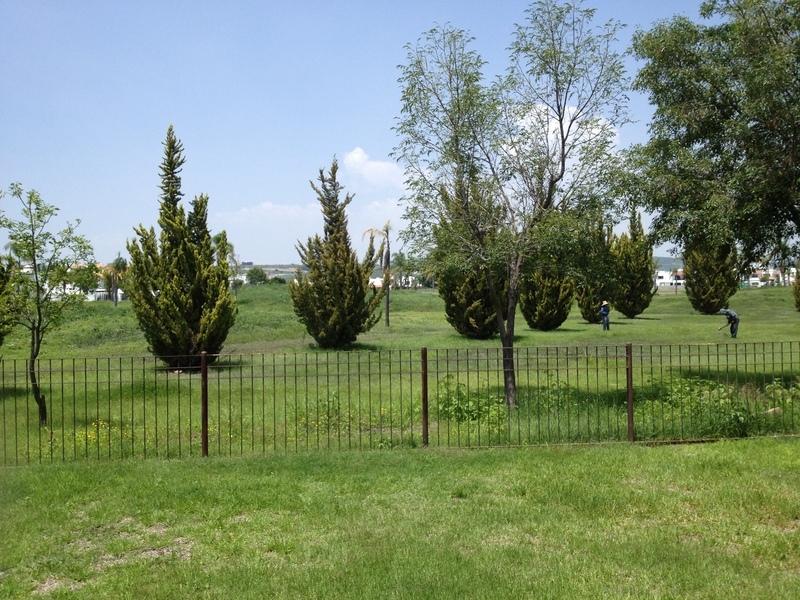 Juriquilla misiones hermosa casa con un jard n de 200m2 for Jardin 200m2