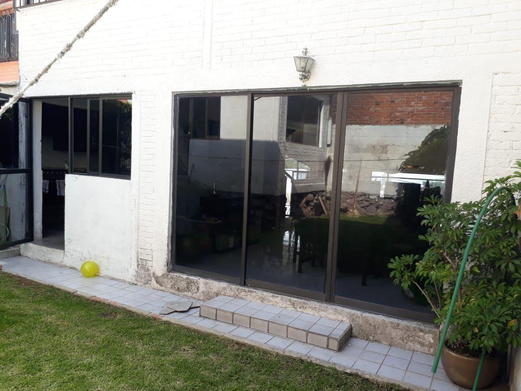12 de 34: Puerta para entrar al comedor o salir al jardín