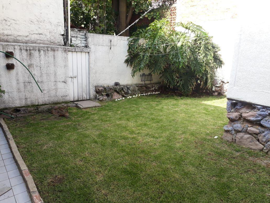 13 de 34: Jardín trasero