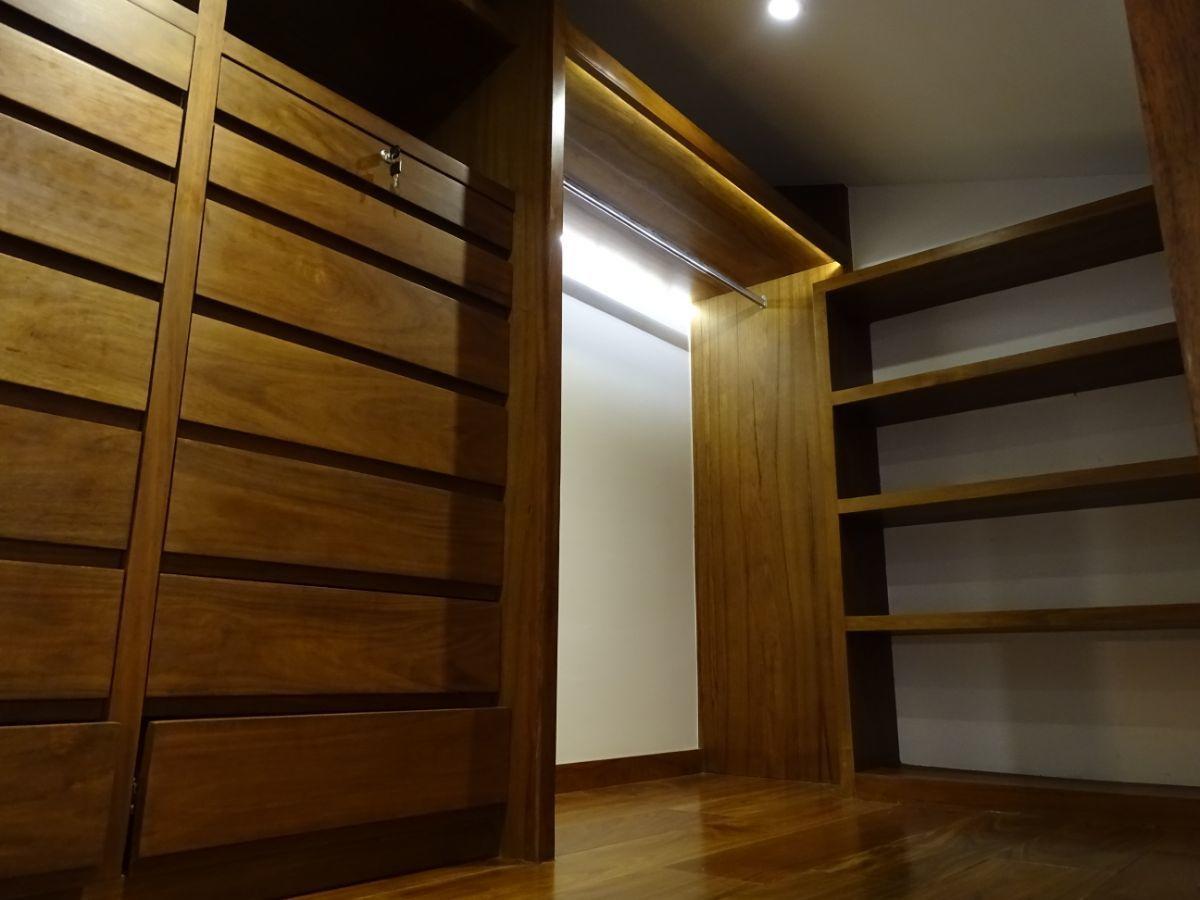 20 de 27: Espaciosos closets
