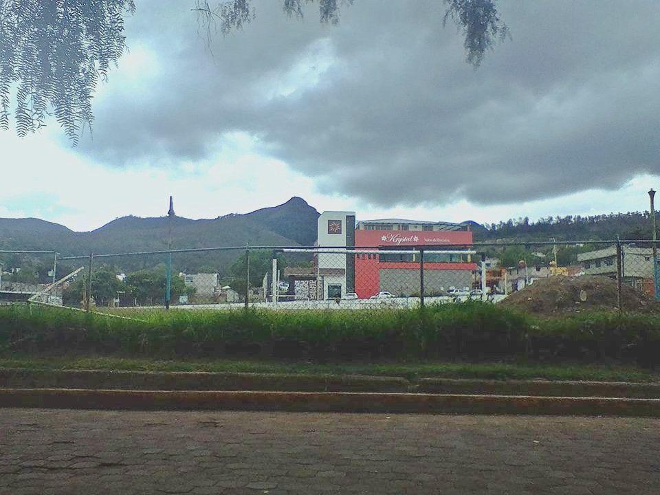 3 de 8: Exterior (Campo futbol Ejidal Canuto Luna)