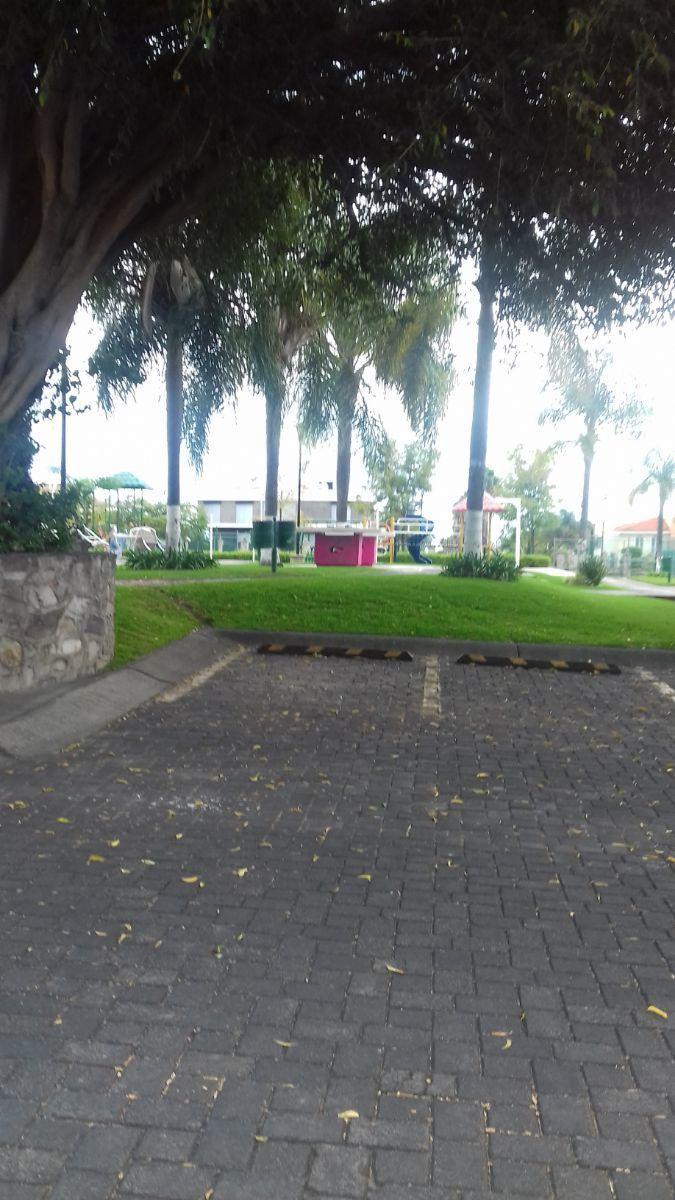 5 de 7: Area de Juegos Infantiles