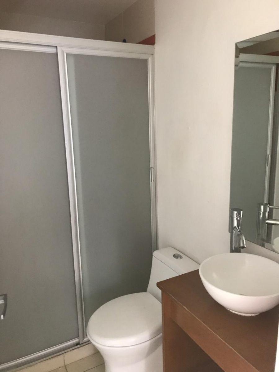 8 de 8: Baño para visitas y segunda recámara