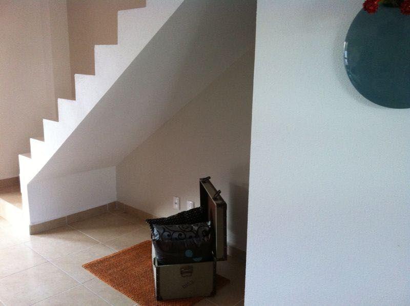 3 de 10: Entrada y escaleras