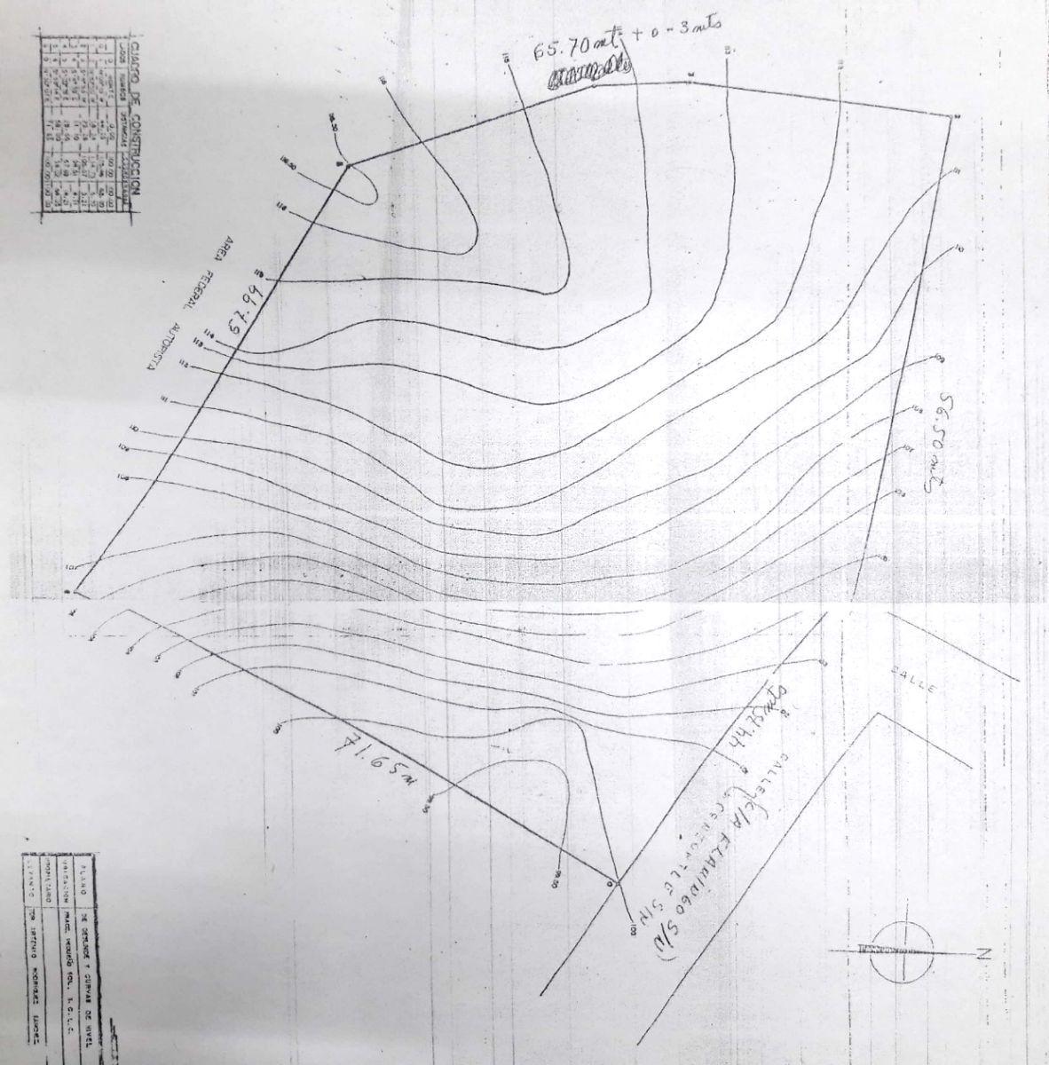 9 de 9: Plano del terreno