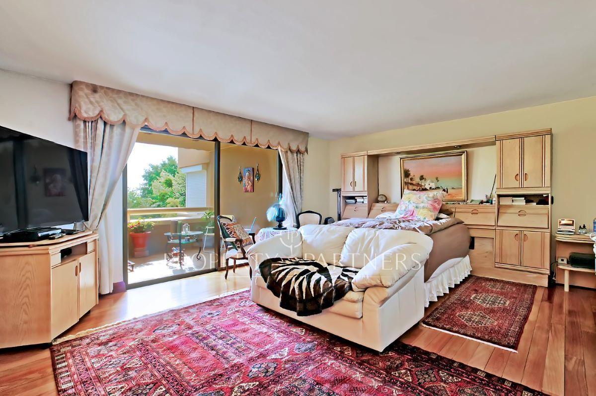 10 de 14: dormitorio 1 con terraza