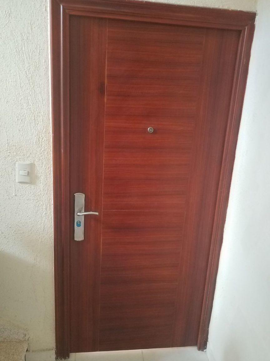 2 de 9: Puerta multilock