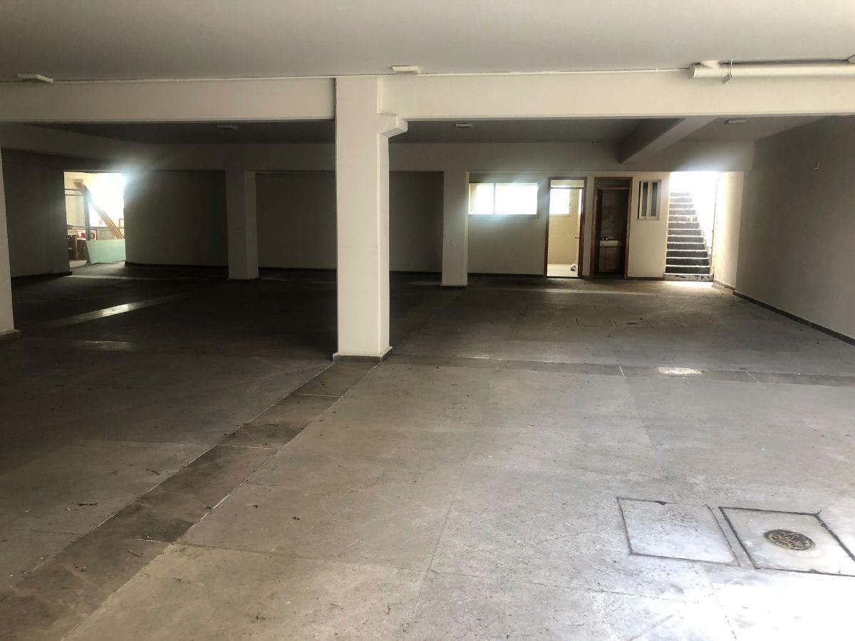 30 de 35: Garage +10 autos