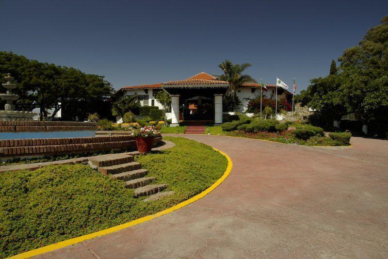 19 de 21: Entrada al Restaurante /Campo de Golf