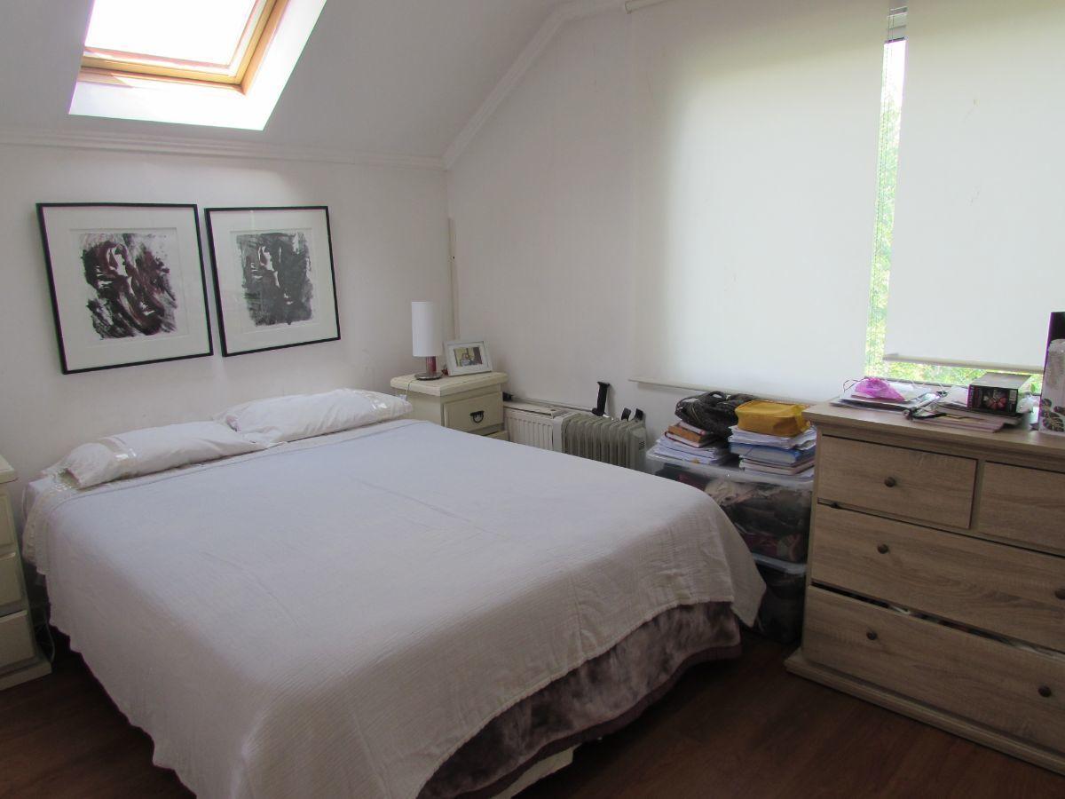 22 de 24: Dormitorio 4