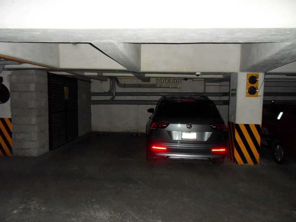 18 de 28: Estacionamientos