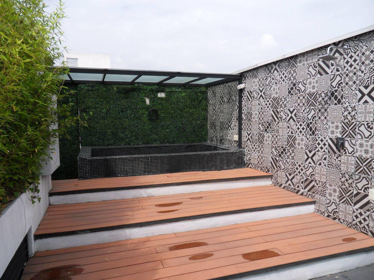 16 de 28: Jacuzzi en roof garden privado