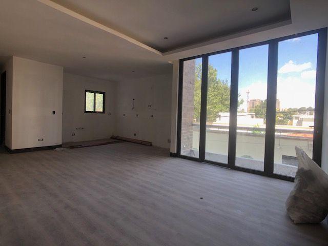 2 de 9: Apartamento nivel 2, cocina y comedor