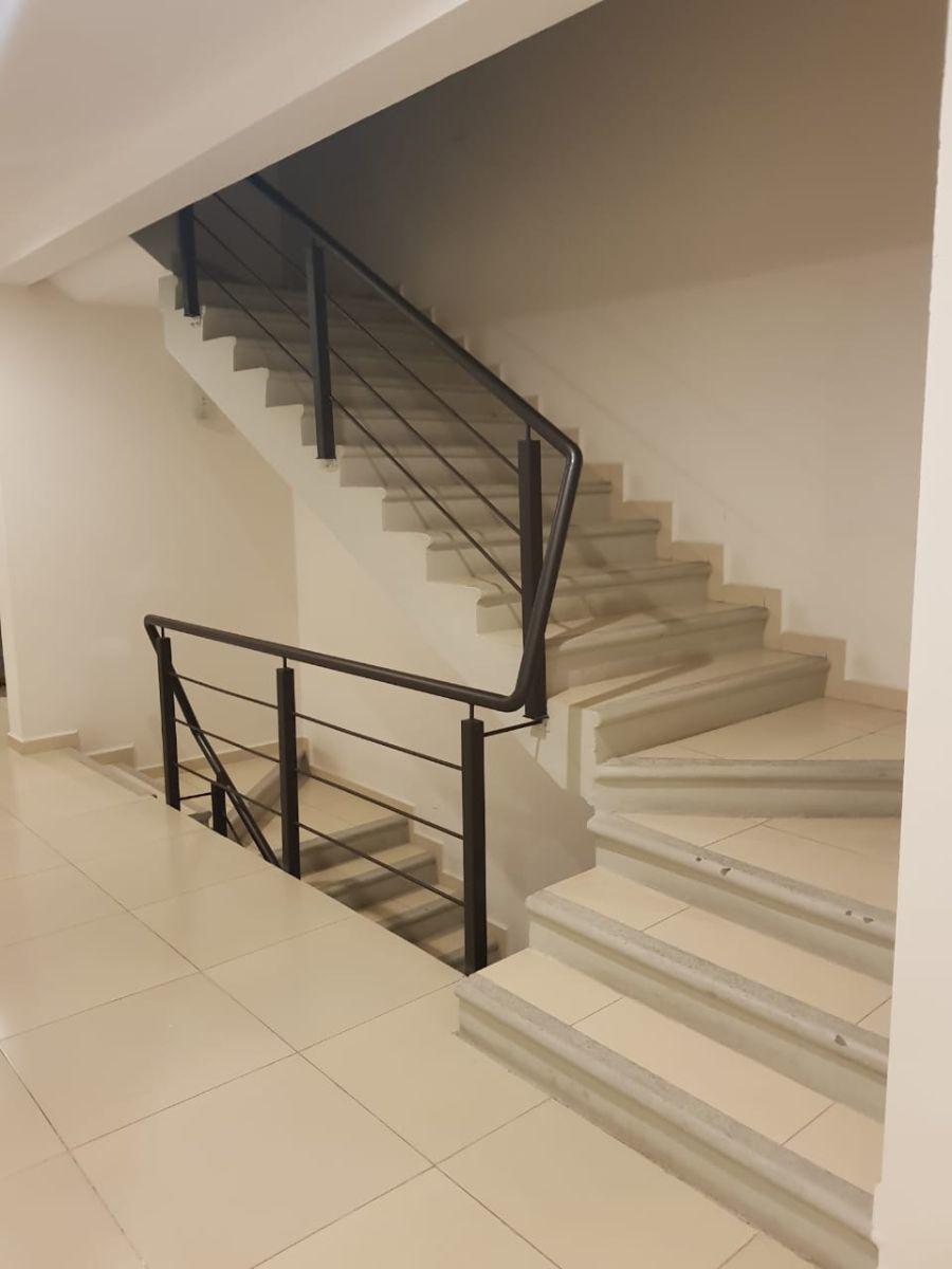 18 de 28: escaleras