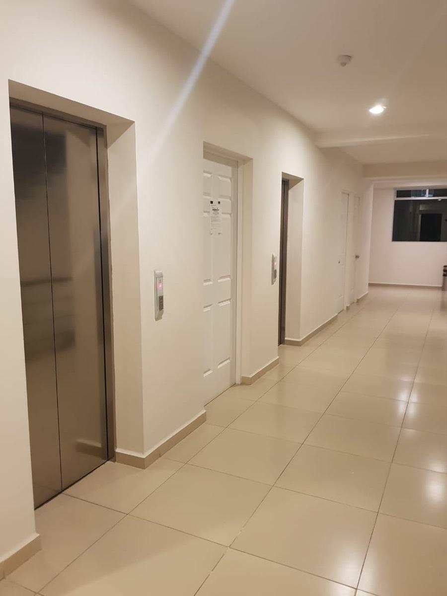 19 de 28: área de elevadores