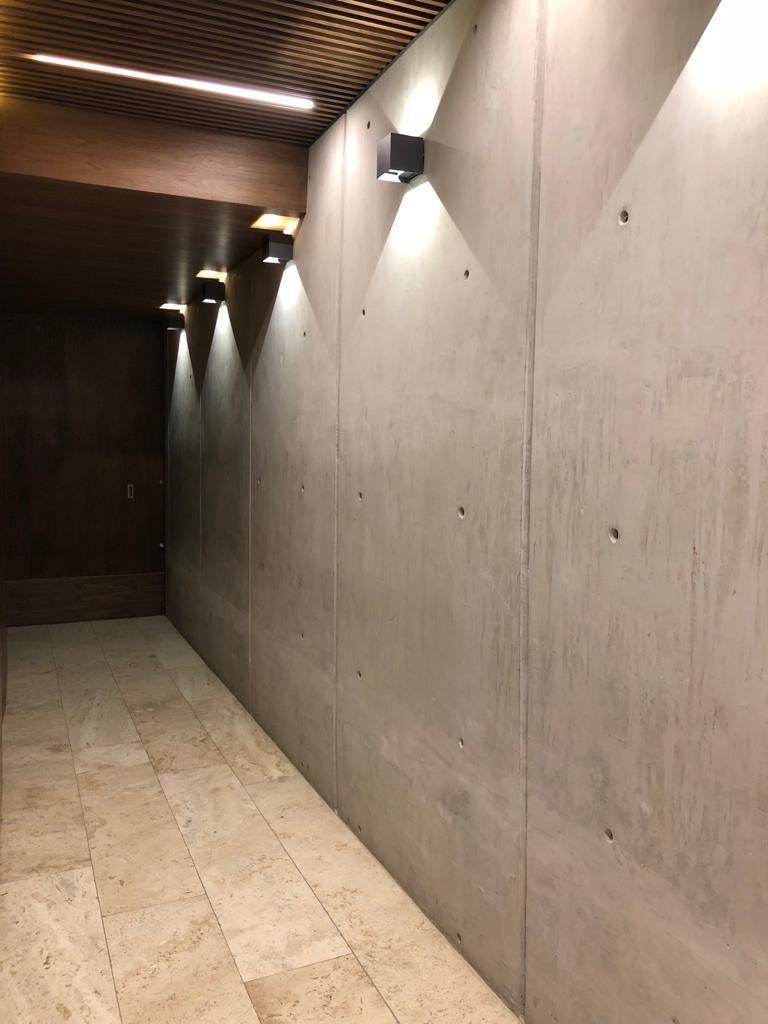 16 de 17: acceso peatonal al edificio