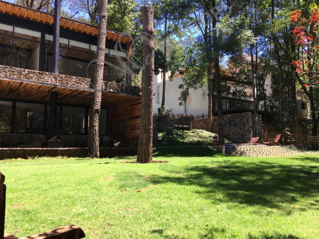 18 de 42: Jardín posterior