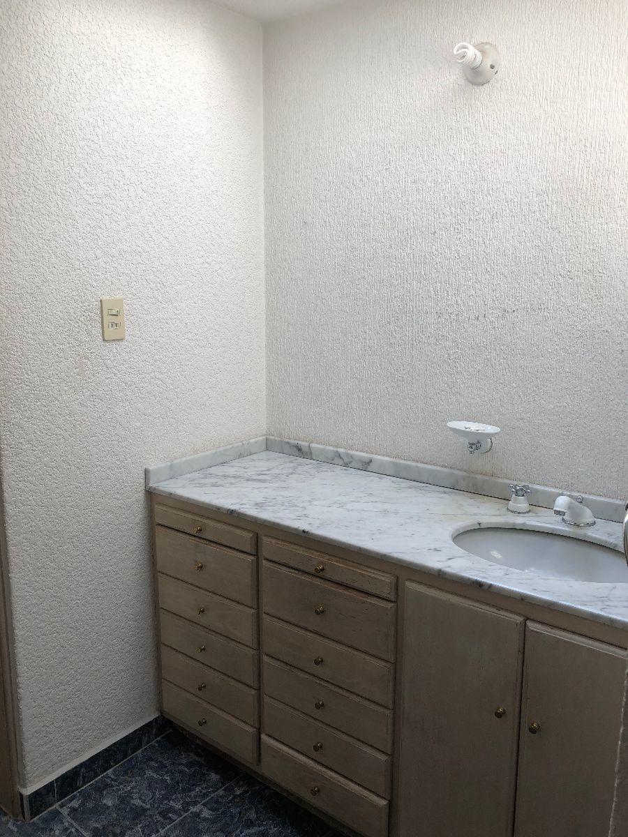 39 de 49: Baño recámara principal