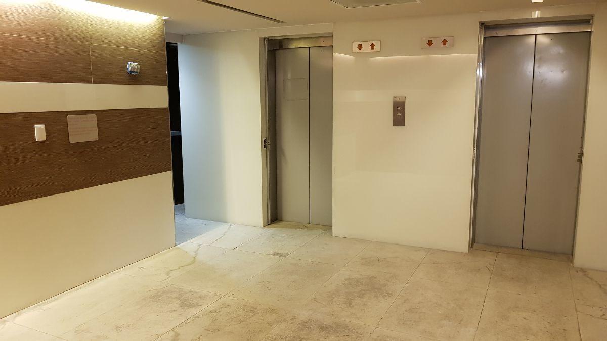 17 de 20: 2 elevadores