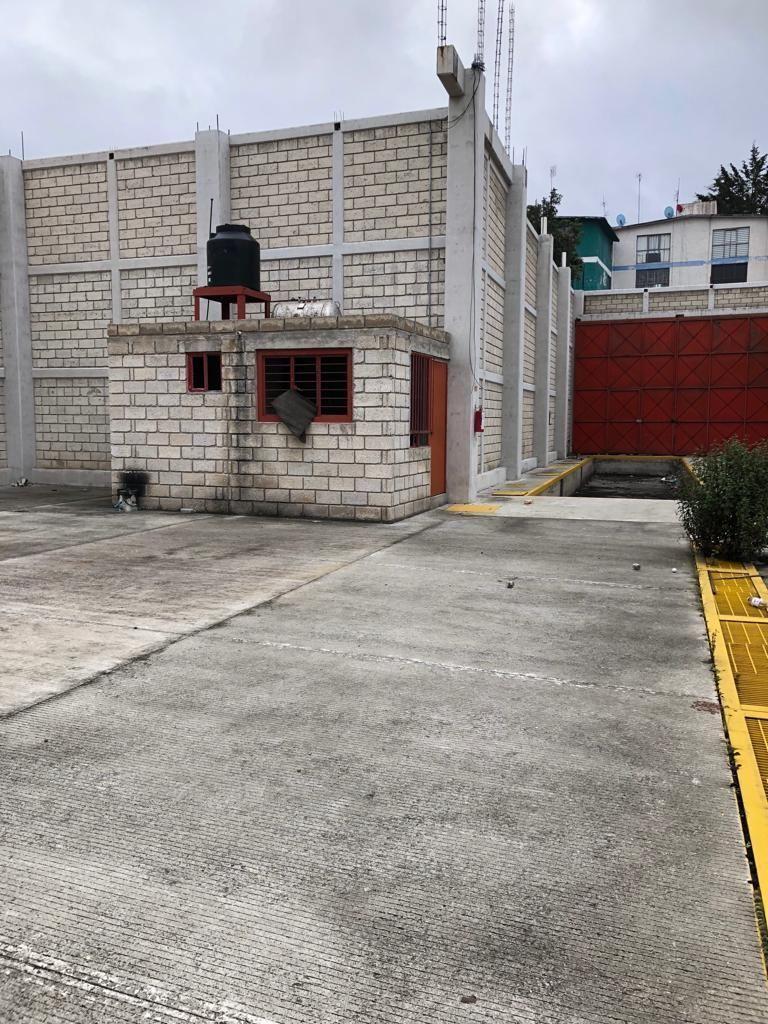 3 de 9: CASETA Y BAÑO