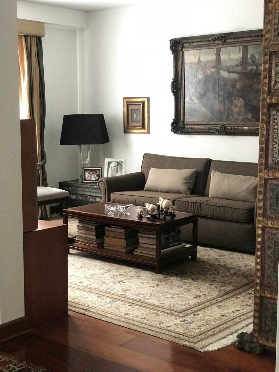 12 de 26: Sala de estar en el área social que puede ser escritorio