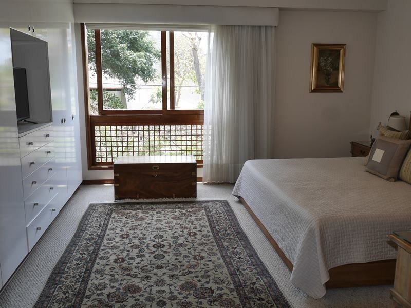 15 de 26: Lindo dormitorio principal. Piso de Madera Pumaquiro