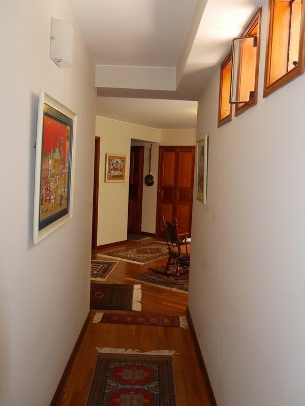 21 de 26: Pasillo desde dormitorio 4 hacia family room