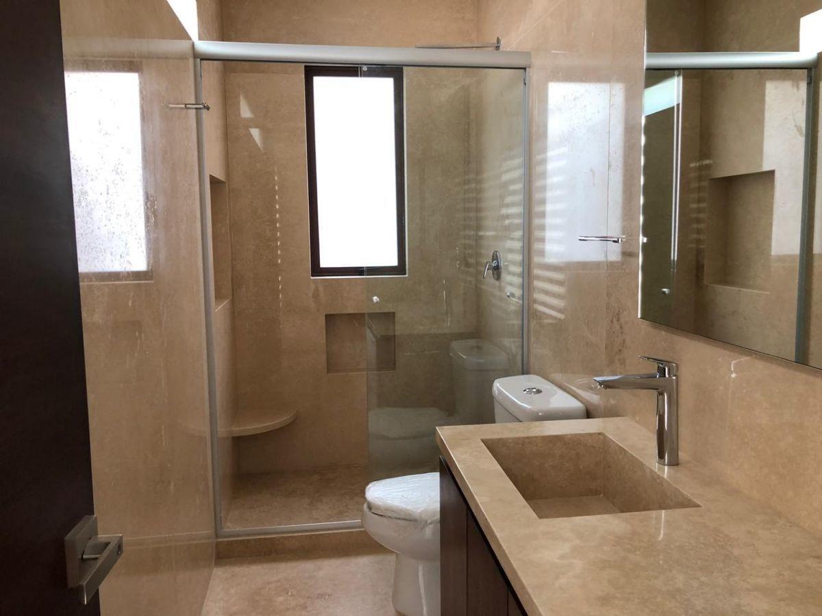 7 de 20: Baño principal