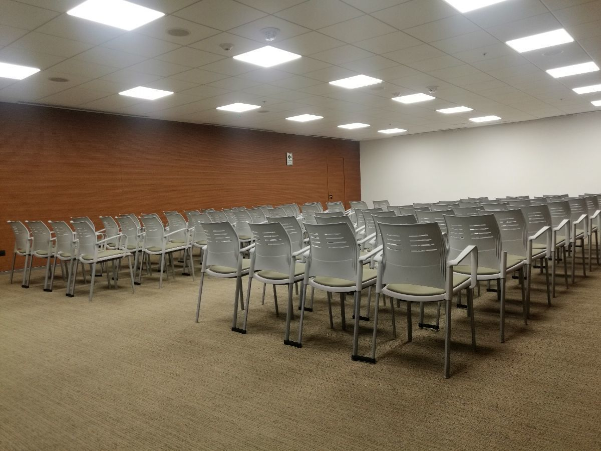 13 de 17: Sala de Conferencias