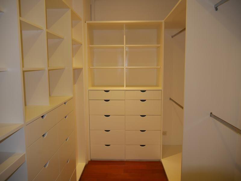 9 de 20: Walk-in-closet dormitorio principal