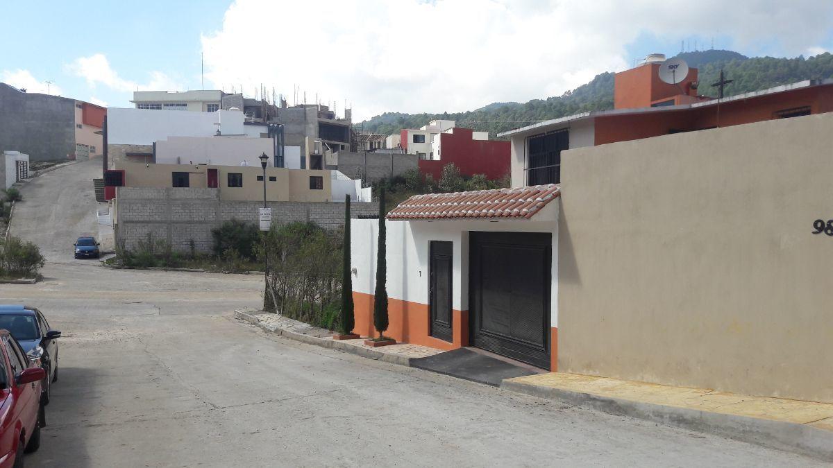 2 de 22: Vista de la calle