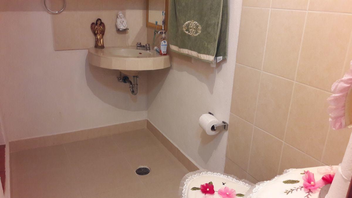 10 de 22: Medio baño