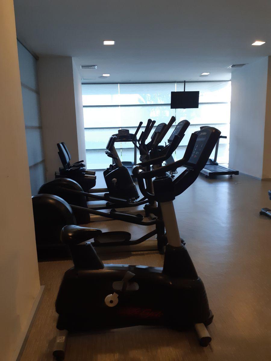 2 de 6: gym