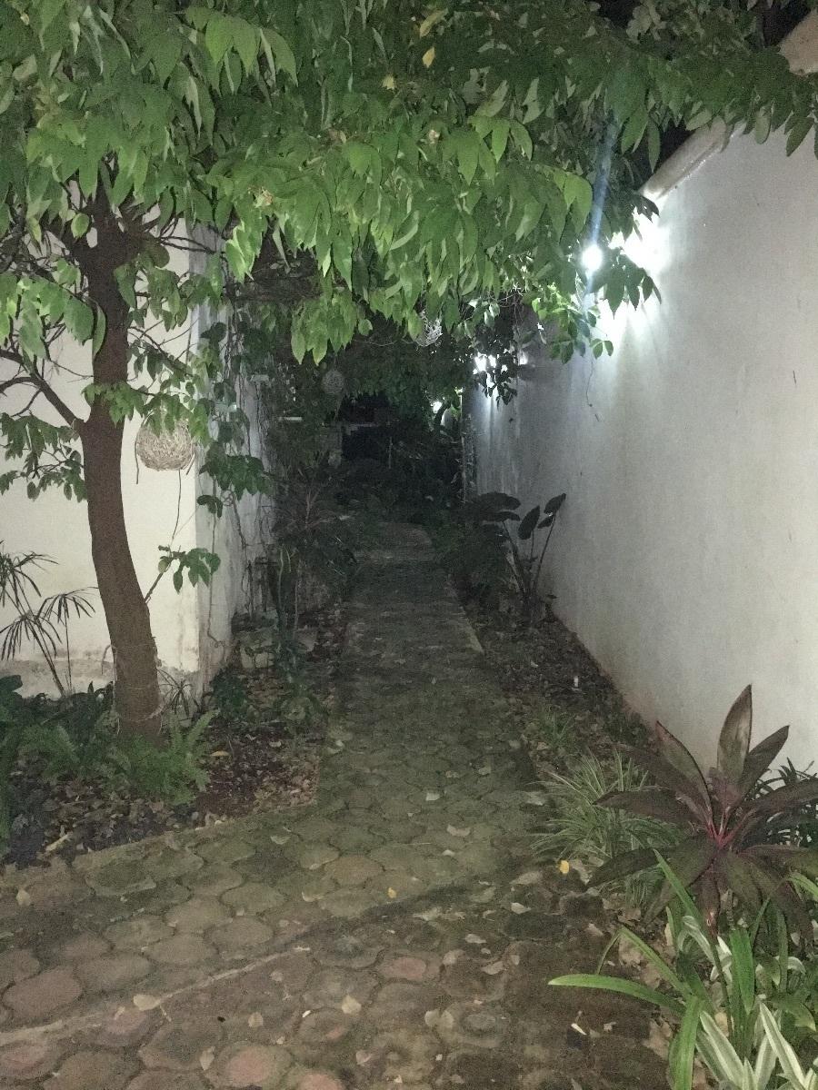 4 de 9: pasillo