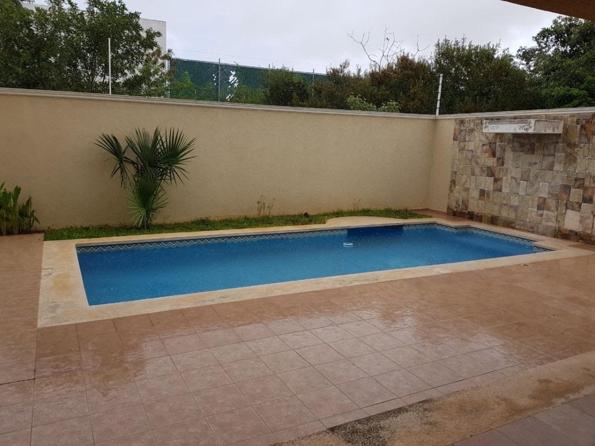 3 de 10: piscina grande