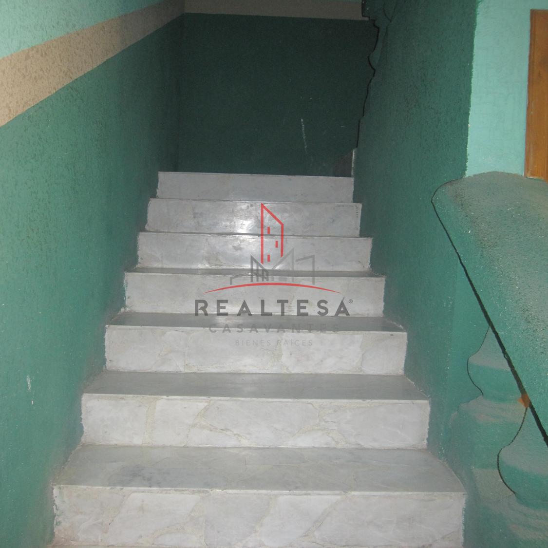 12 de 18: Escaleras